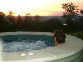 Bed and Breakfast at Wallaby Ridge - Tourism Gold Coast