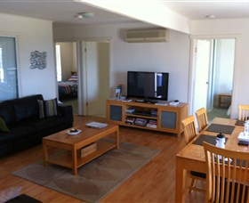 Azure Beach House - Tourism Gold Coast