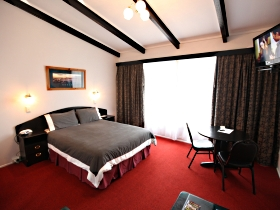 Fox and Hounds Inn - Tourism Gold Coast