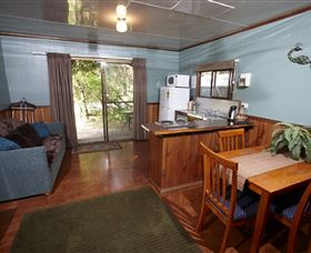 Crayfish Creek Van and Cabin Park and Spa Treehouse - Tourism Gold Coast