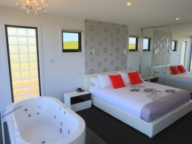 Horizon Deluxe Apartments - Tourism Gold Coast