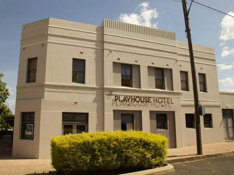 The Playhouse Hotel - Tourism Gold Coast