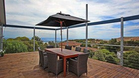 Coral Sands Seaview Beach House - Tourism Gold Coast