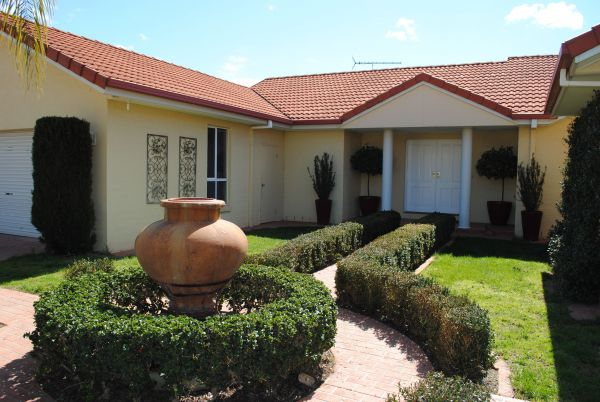 Casa Pizzini Bed and Breakfast - Tourism Gold Coast