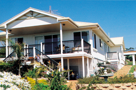 Loverings White House - Emu Bay - Tourism Gold Coast