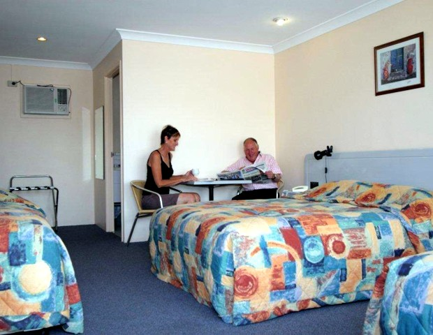 Alexander Motel  Peppercorn Restaurant - Tourism Gold Coast