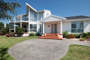 Ocean Manor Bed and Breakfast - Tourism Gold Coast