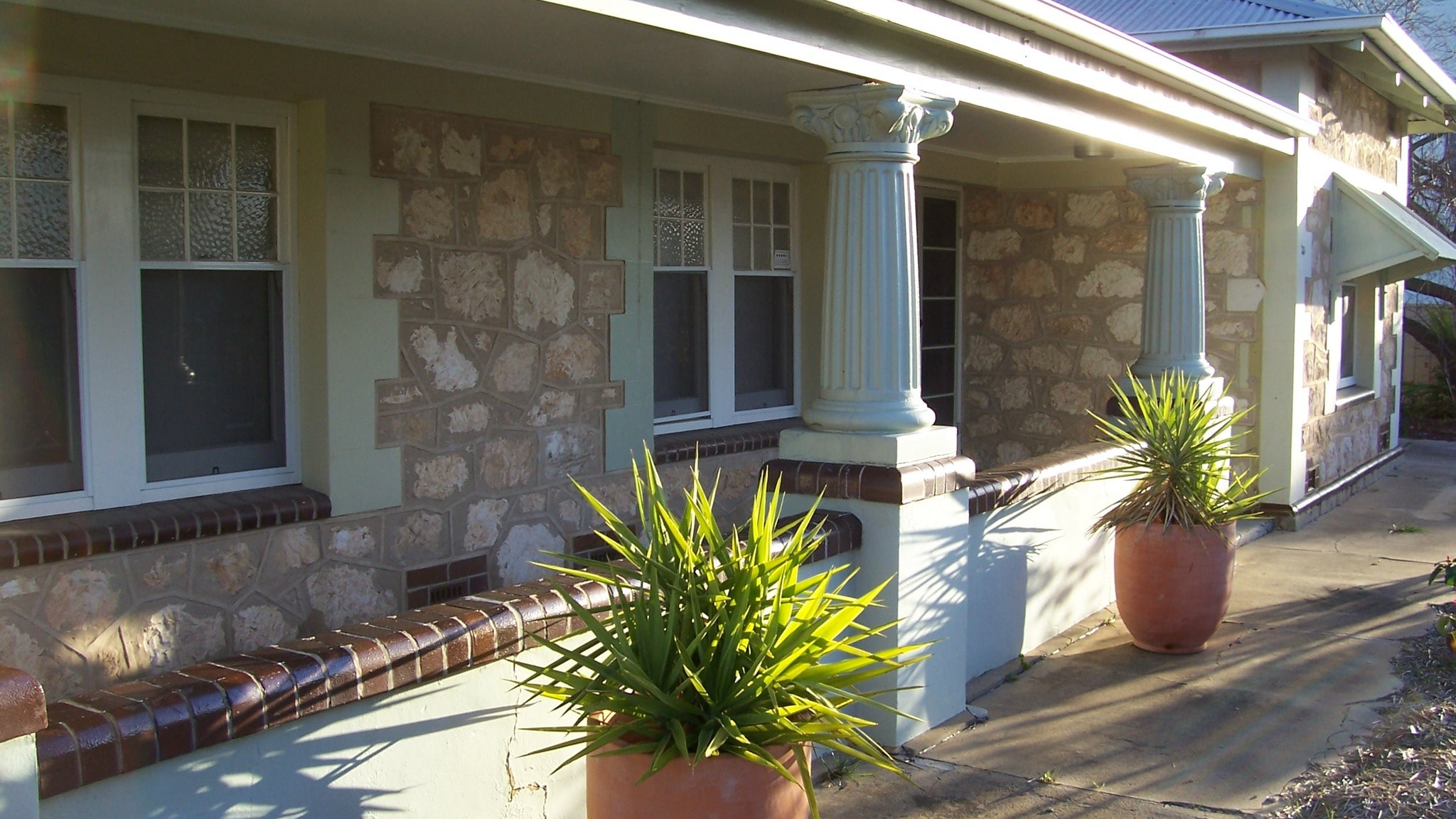 Naracoorte Cottages - MacDonnell House - Tourism Gold Coast