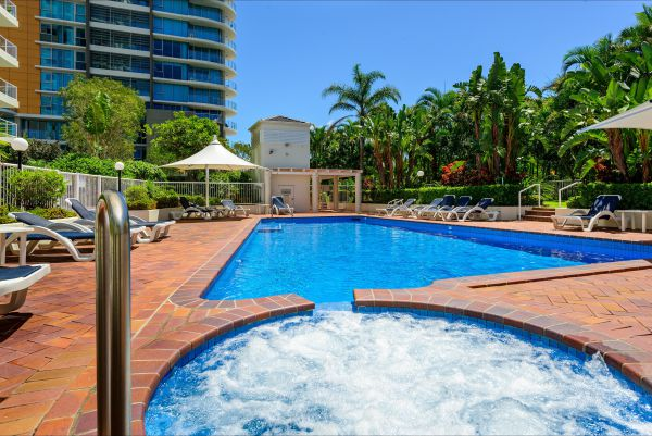 Crest Apartments - Tourism Gold Coast