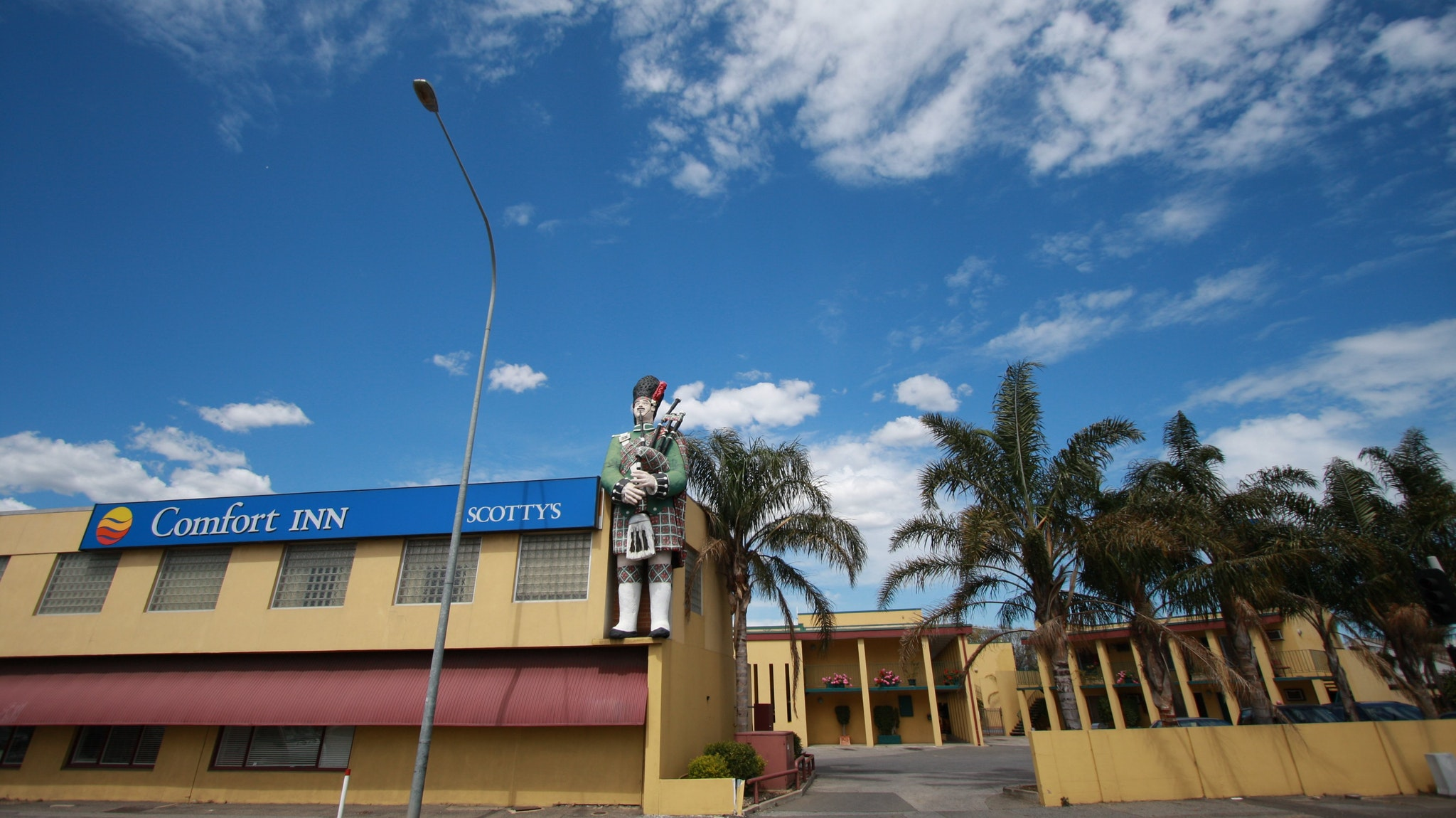 Comfort Inn Scottys Motel - Tourism Gold Coast