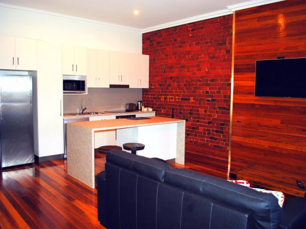 Sublime Spa Apartments on Murphy - Tourism Gold Coast