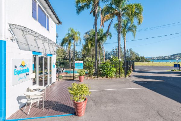 The Esplanade Motel - Tourism Gold Coast