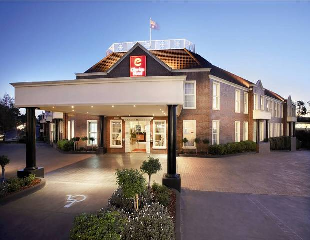 Canterbury International Hotel  - Tourism Gold Coast