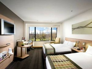 Crowne Plaza Canberra - Tourism Gold Coast
