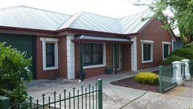 Neat and Cosy Nailsworth - Tourism Gold Coast