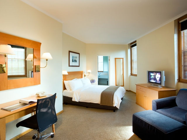 Holiday Inn Old Sydney - Tourism Gold Coast