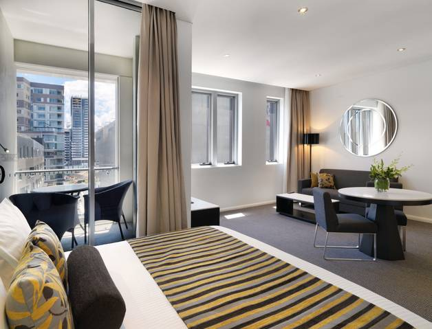 Meriton Serviced Apartments - Zetland - Tourism Gold Coast