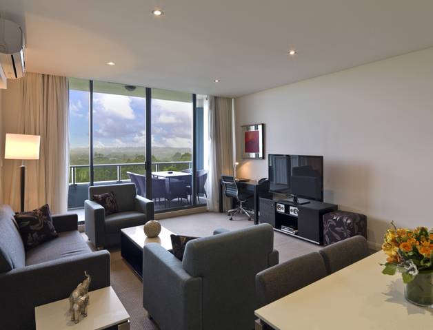 Meriton Serviced Apartments Danks Street Waterloo - Tourism Gold Coast