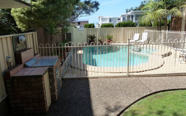Mollymook Surfbeach Motel and Apartments - Tourism Gold Coast