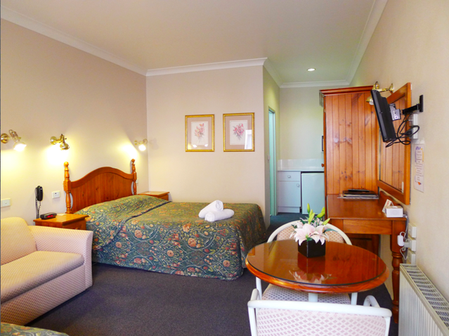 New England Motor Inn - Tourism Gold Coast