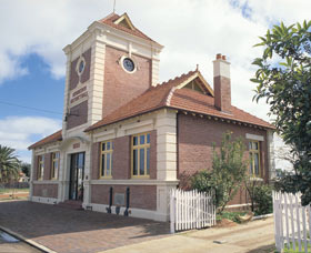 Merredin Town Hall - Tourism Gold Coast
