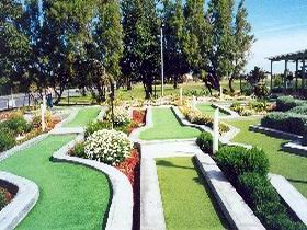West Beach Mini Golf - Tourism Gold Coast