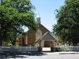 St George Church and Cemetery Tours - Tourism Gold Coast