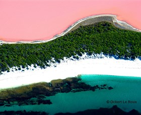 Lake Hillier - Tourism Gold Coast