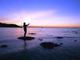 Fishing at Magnetic Island - Tourism Gold Coast