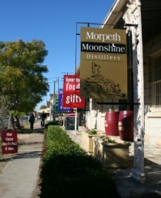 Morpeth Wine Cellars and Moonshine Distillery - Tourism Gold Coast