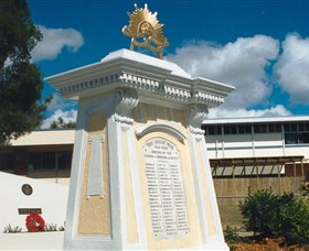 Beenleigh War Memorial - Tourism Gold Coast