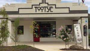 Tootsie Fine Art and Design - Tourism Gold Coast