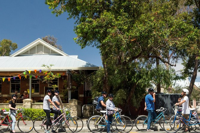 Explore Freo the local way on our 3 hour bike tour - Tourism Gold Coast