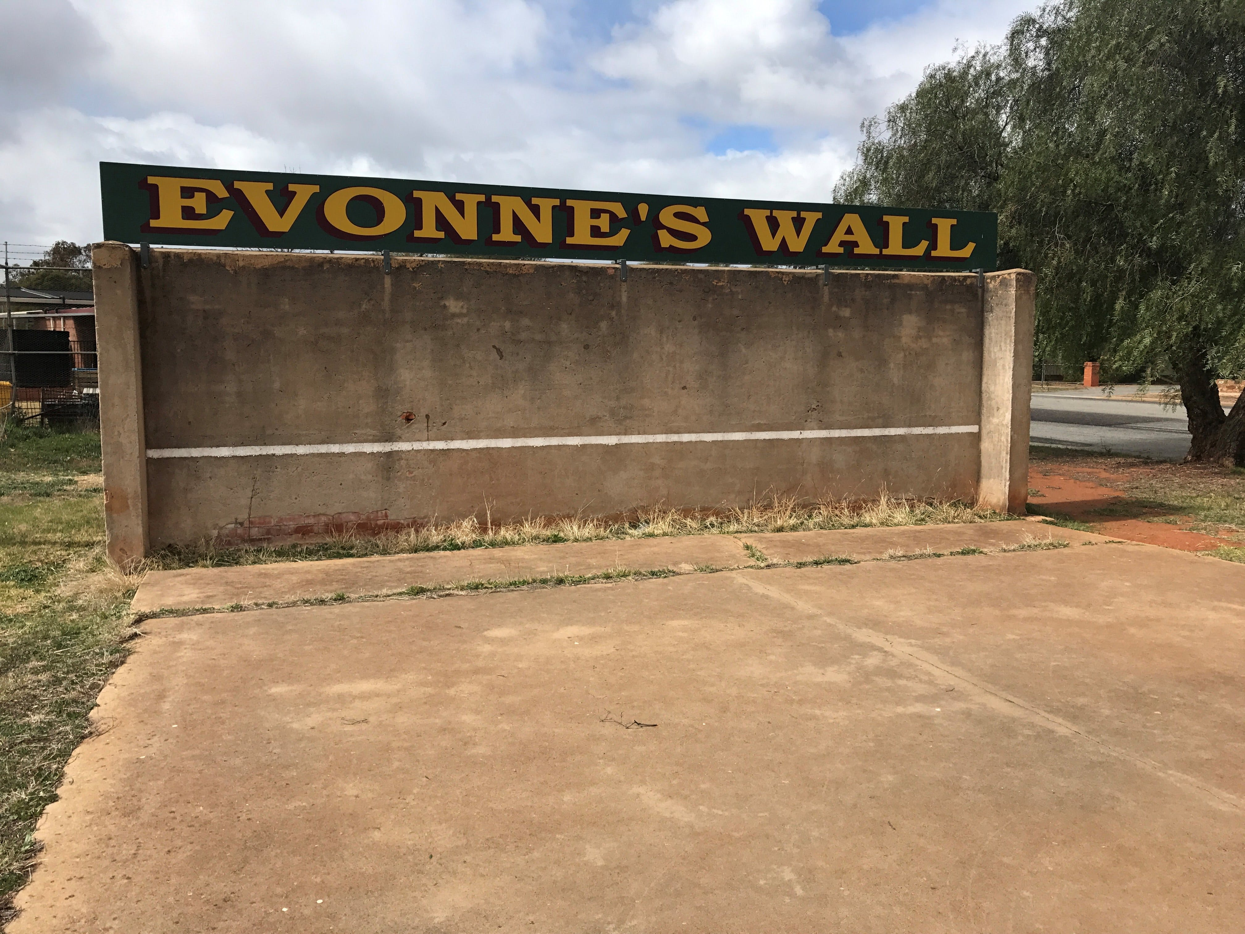 Evonne Goolagong-Cawley Wall - Tourism Gold Coast