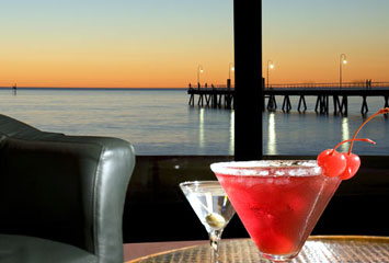 Horizons Cocktail Lounge - Tourism Gold Coast