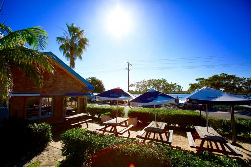 Hadleys Hotel - Tourism Gold Coast