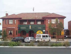 Commercial Hotel Hayfield - Tourism Gold Coast