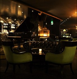 Trademark Hotel Lounge Bar and Piano Room - Tourism Gold Coast