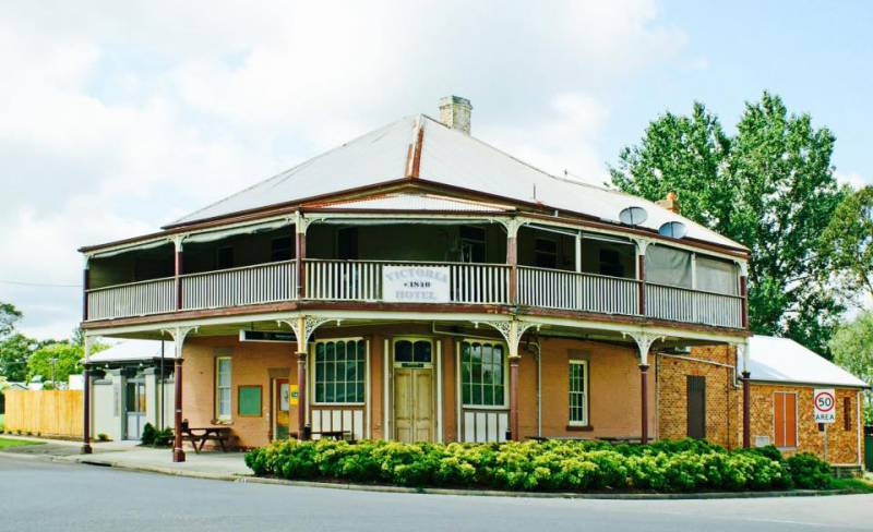 The Victoria Hotel Hinton - Tourism Gold Coast