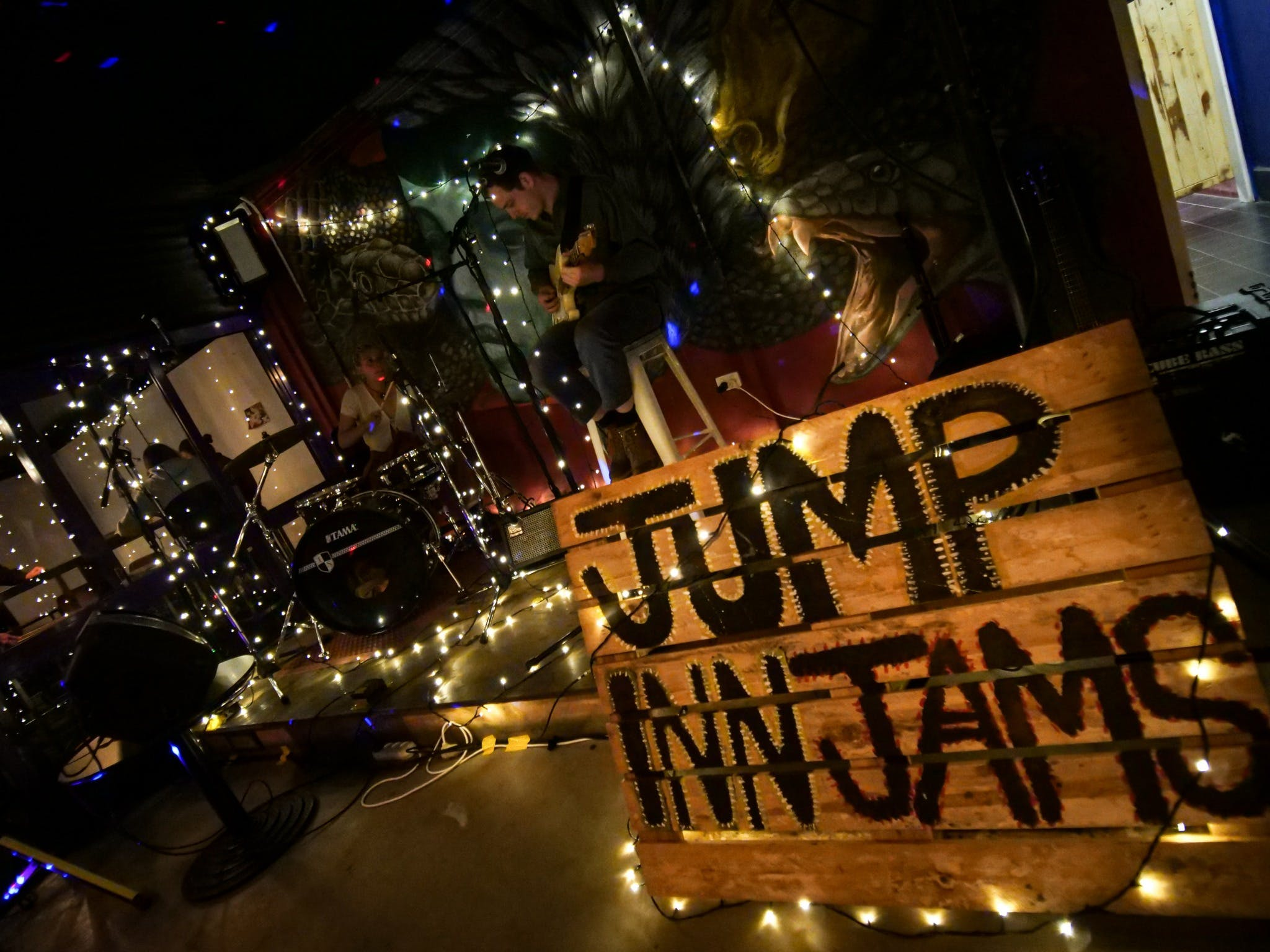 Jump Inn Jam Sessions - Tourism Gold Coast