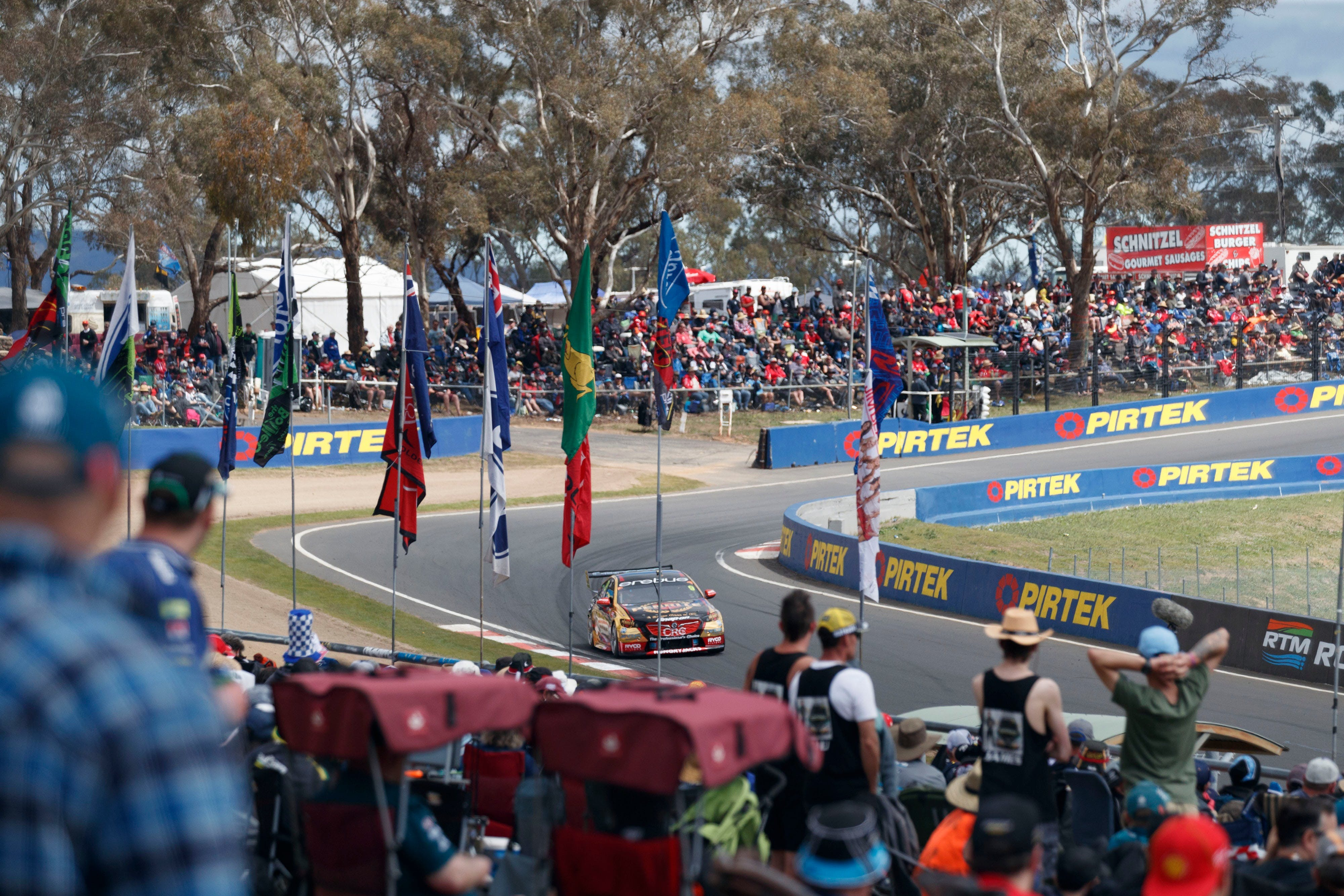 Supercars Supercheap Auto Bathurst 1000 - Tourism Gold Coast