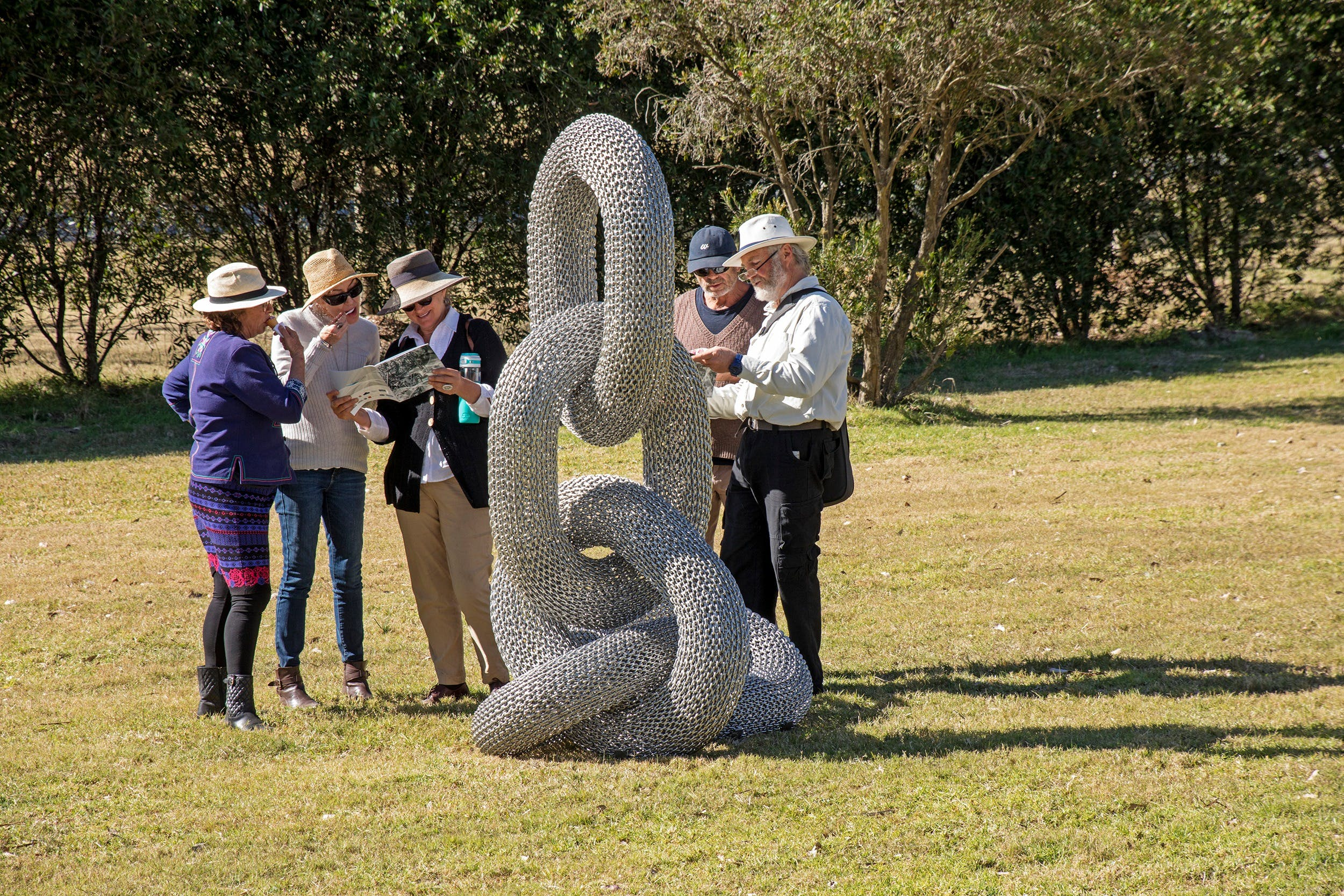 Sculpture for Clyde - Outdoor Exhibition - Tourism Gold Coast