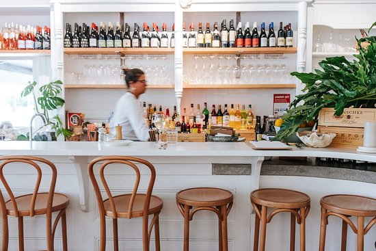 Queen St Eatery  Wine Bar - Tourism Gold Coast