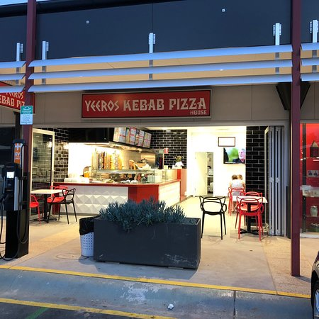 Yeeros Kebab Pizza - Tourism Gold Coast