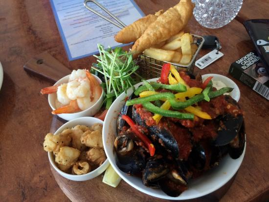 Sandy Cove Tavern - Tourism Gold Coast