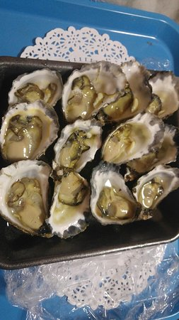 Armstrongs Oysters - Tourism Gold Coast