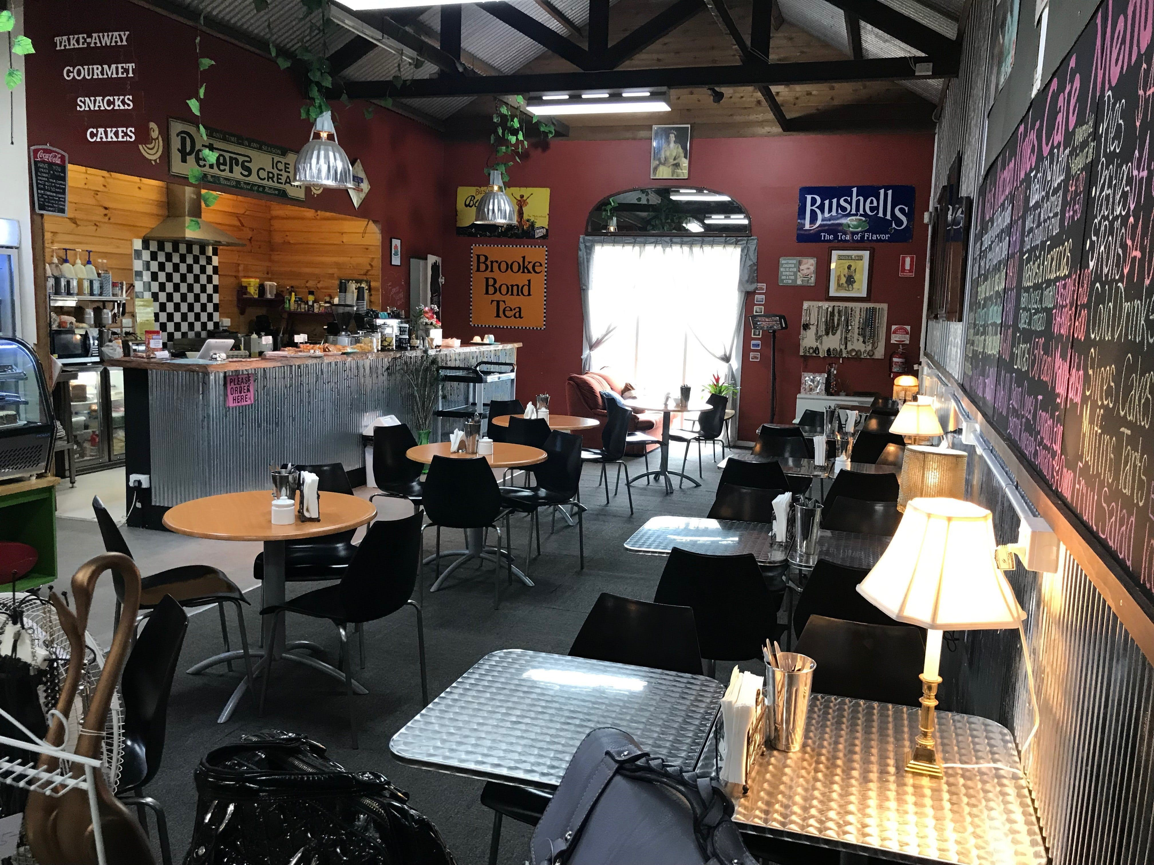 Mai's Kitchen Rules Cafe - Tourism Gold Coast