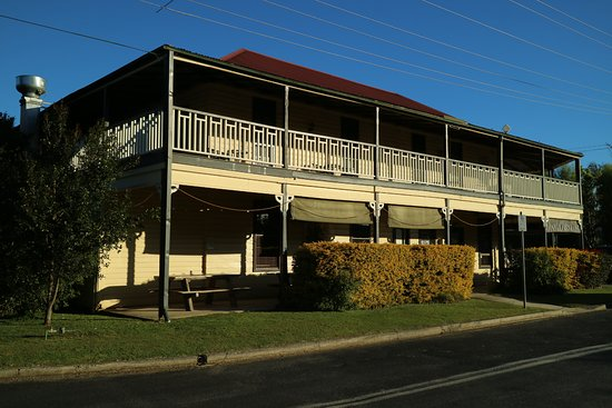 Brushgrove Hotel - Tourism Gold Coast