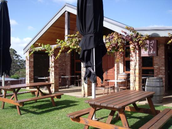Singlefile Winery Restaurant - Tourism Gold Coast