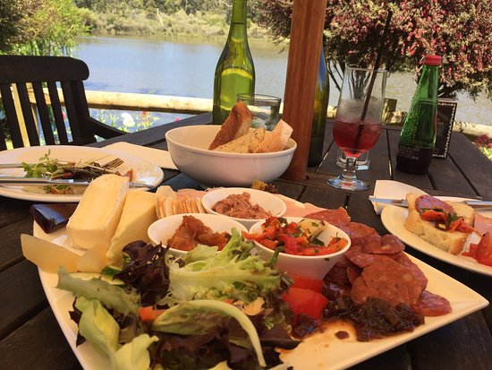 The Lake House Restaurant - Tourism Gold Coast